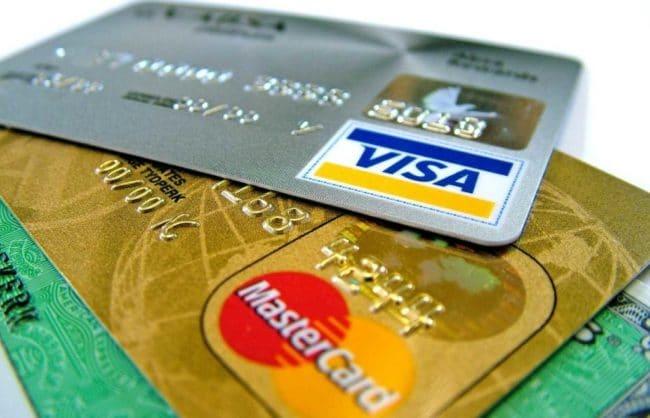 Как совершать платежи с банковской карты